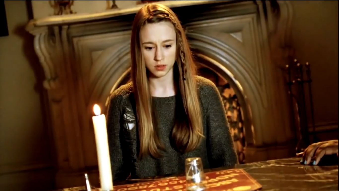 Taissa Farmiga 2019 Wallpapers: American Horror Story Finale: Twitter Reacts To Zoe's Death
