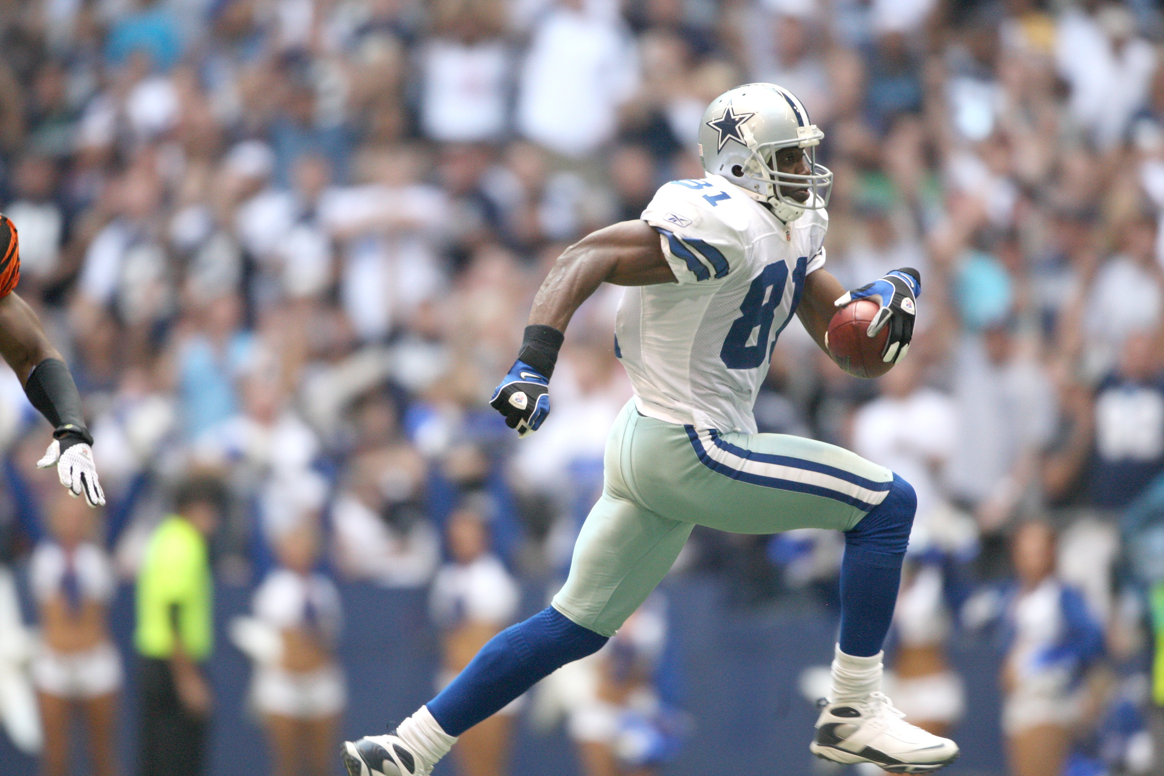 Terrell Owens says he would play for Los Angeles Rams
