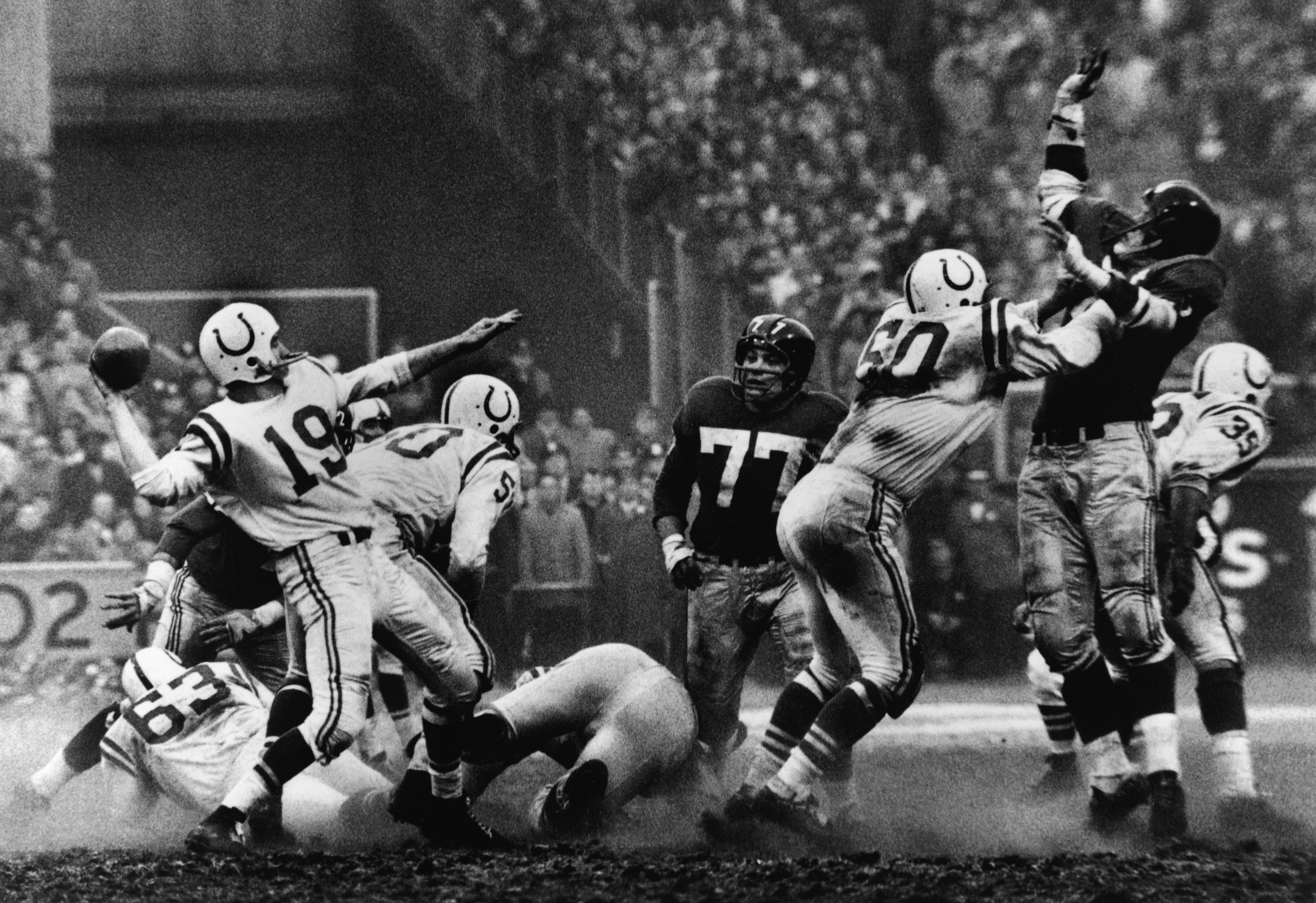 https://fansided.com/wp-content/uploads/getty-images/2016/09/53323949-unitas-in-sudden-death.jpg