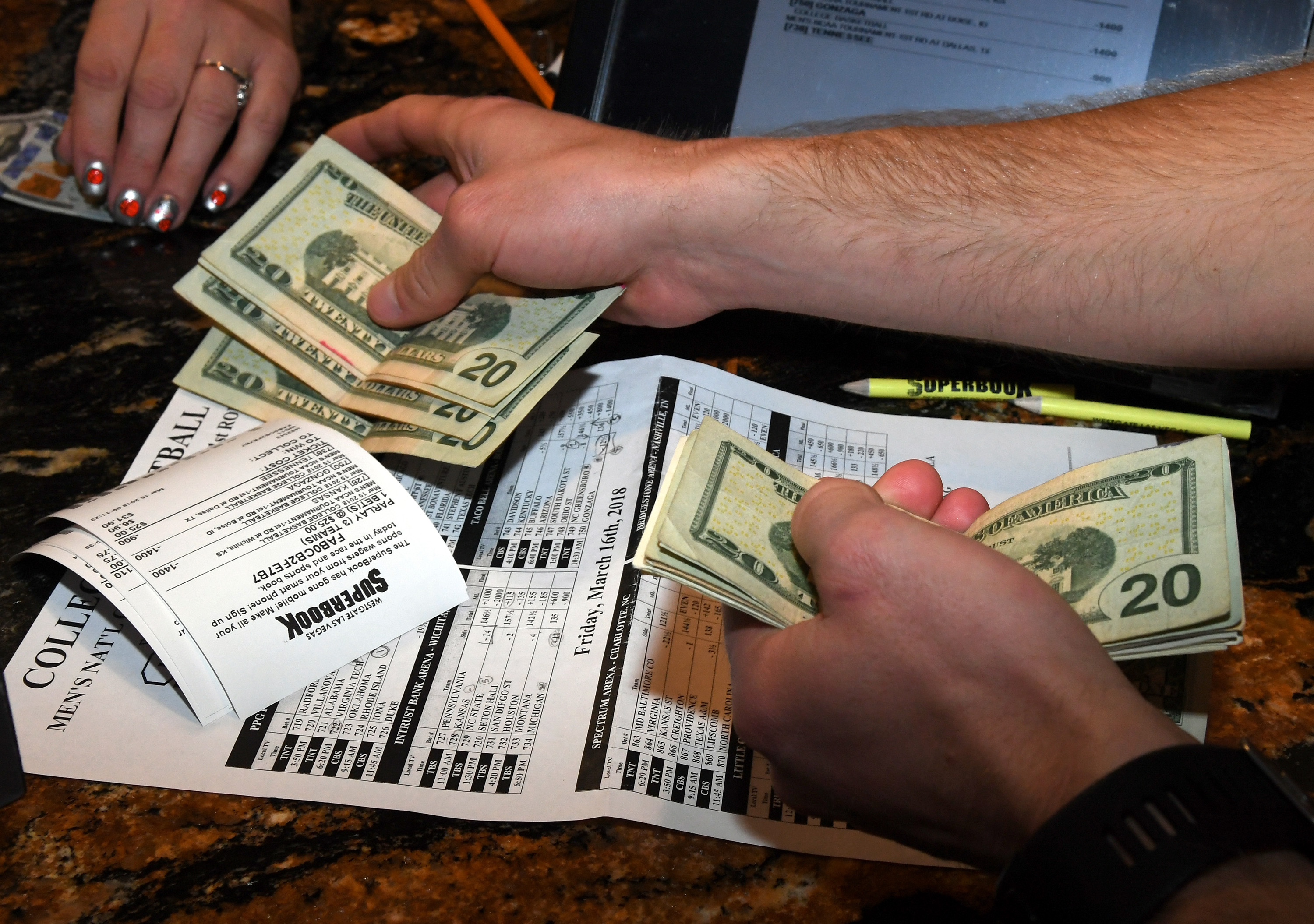 Betting march madness baccarat betting