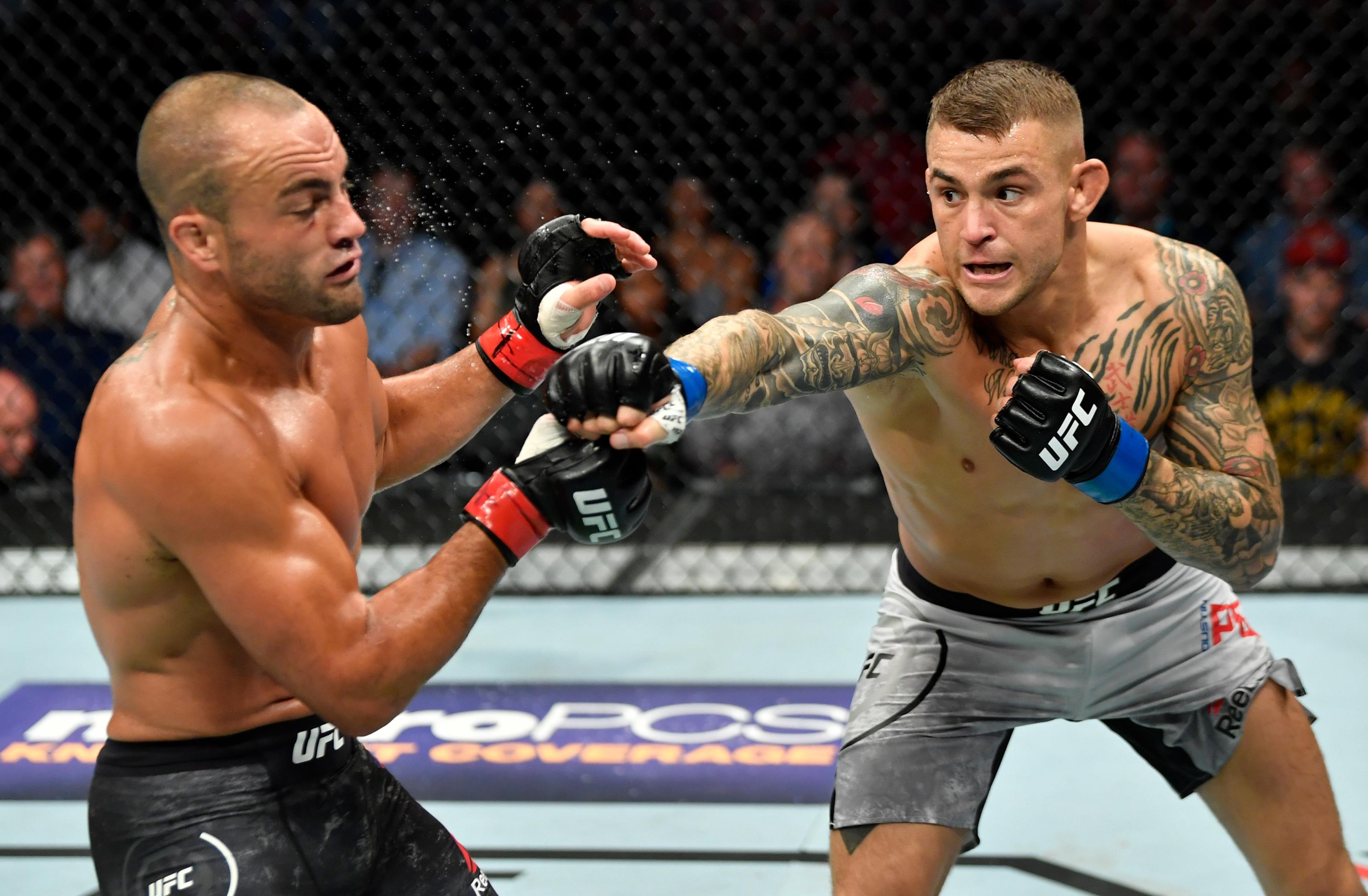 UFC on FOX 30: Dustin Poirier finishes Eddie Alvarez with flurry of strikes
