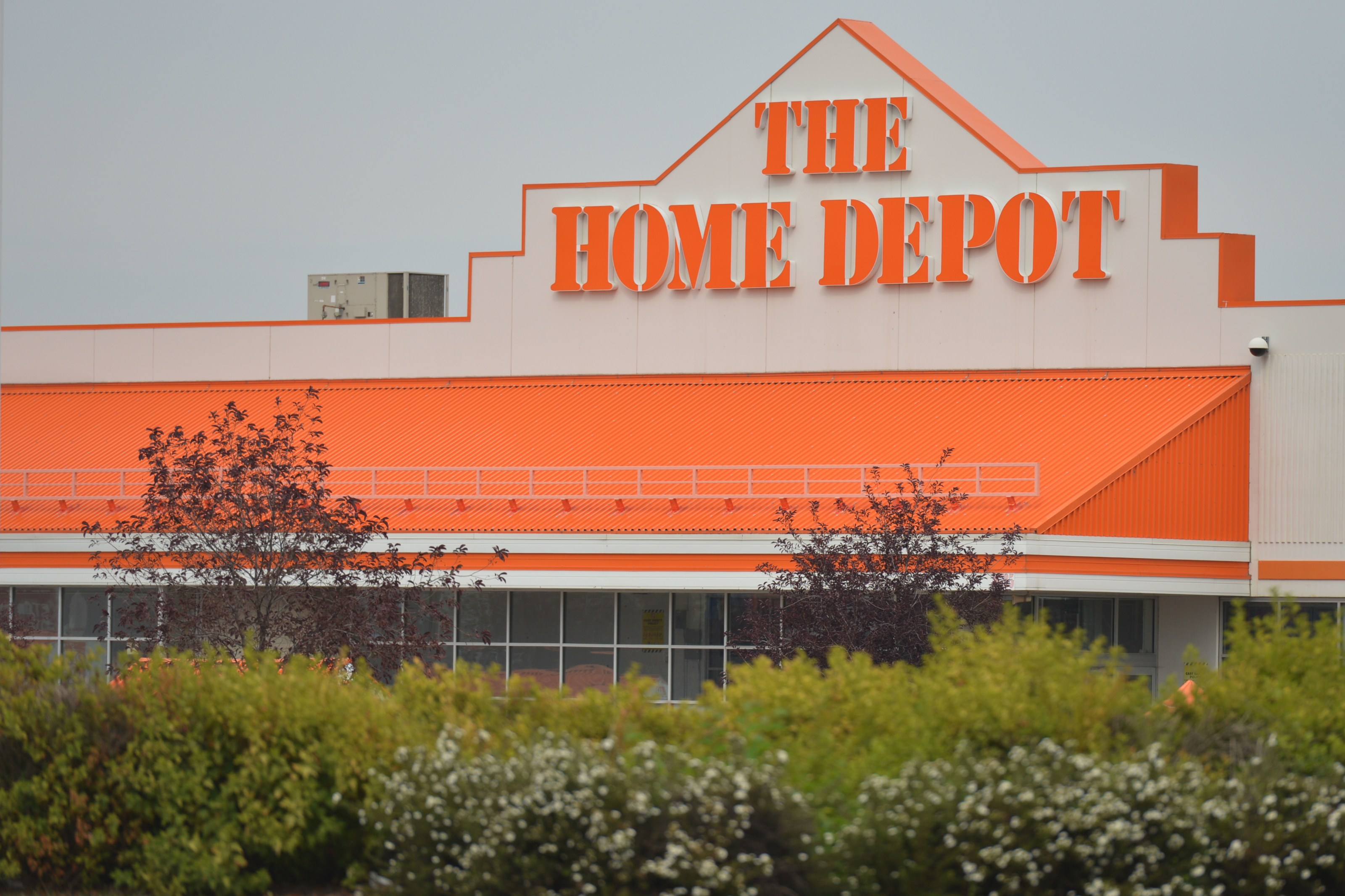 Is Home Depot Open On Thanksgiving