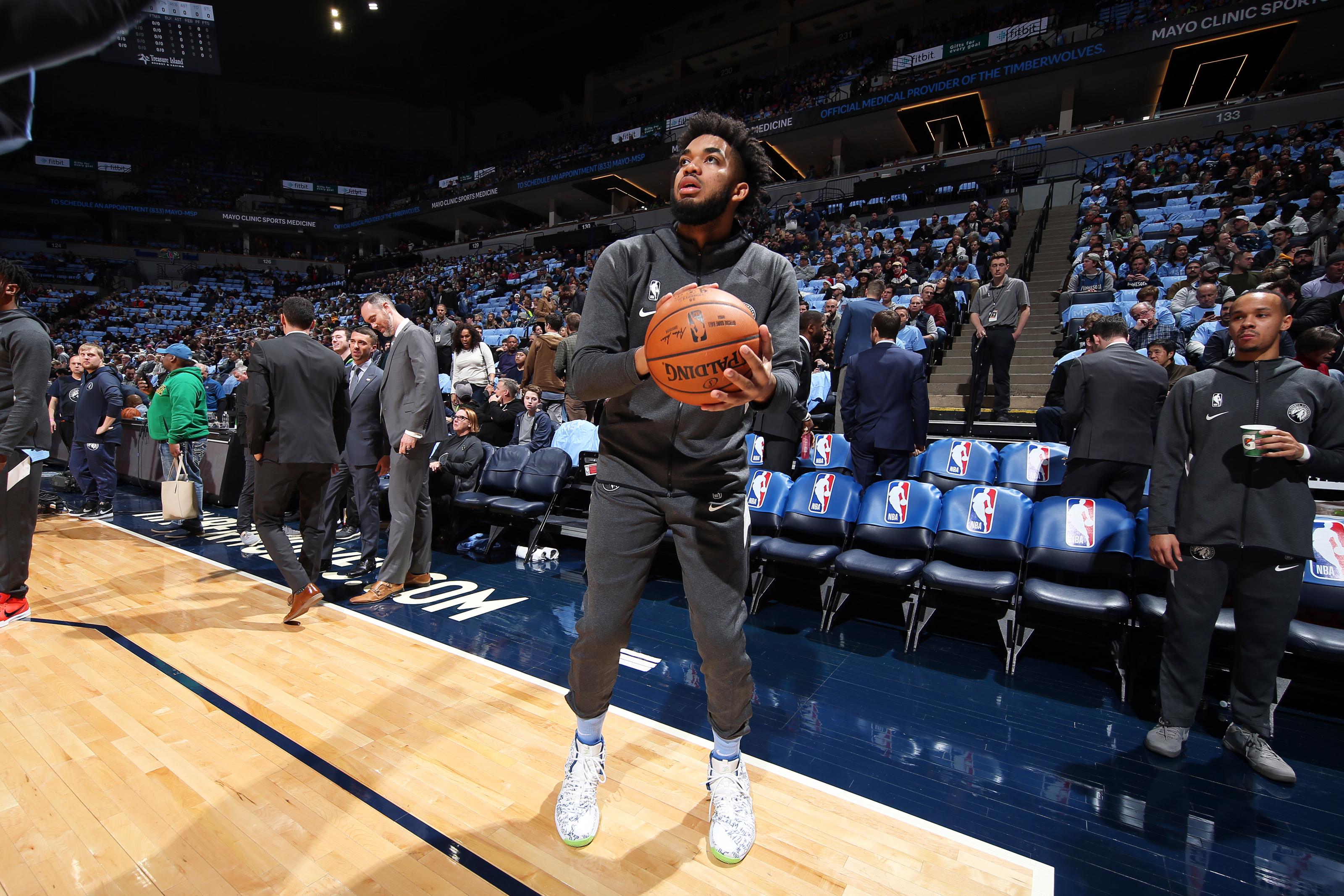 Jugadores de la NBA deberán llegar uniformados a las duelas, la Liga pidió a elementos que se cambien en sus cuartos de hotel