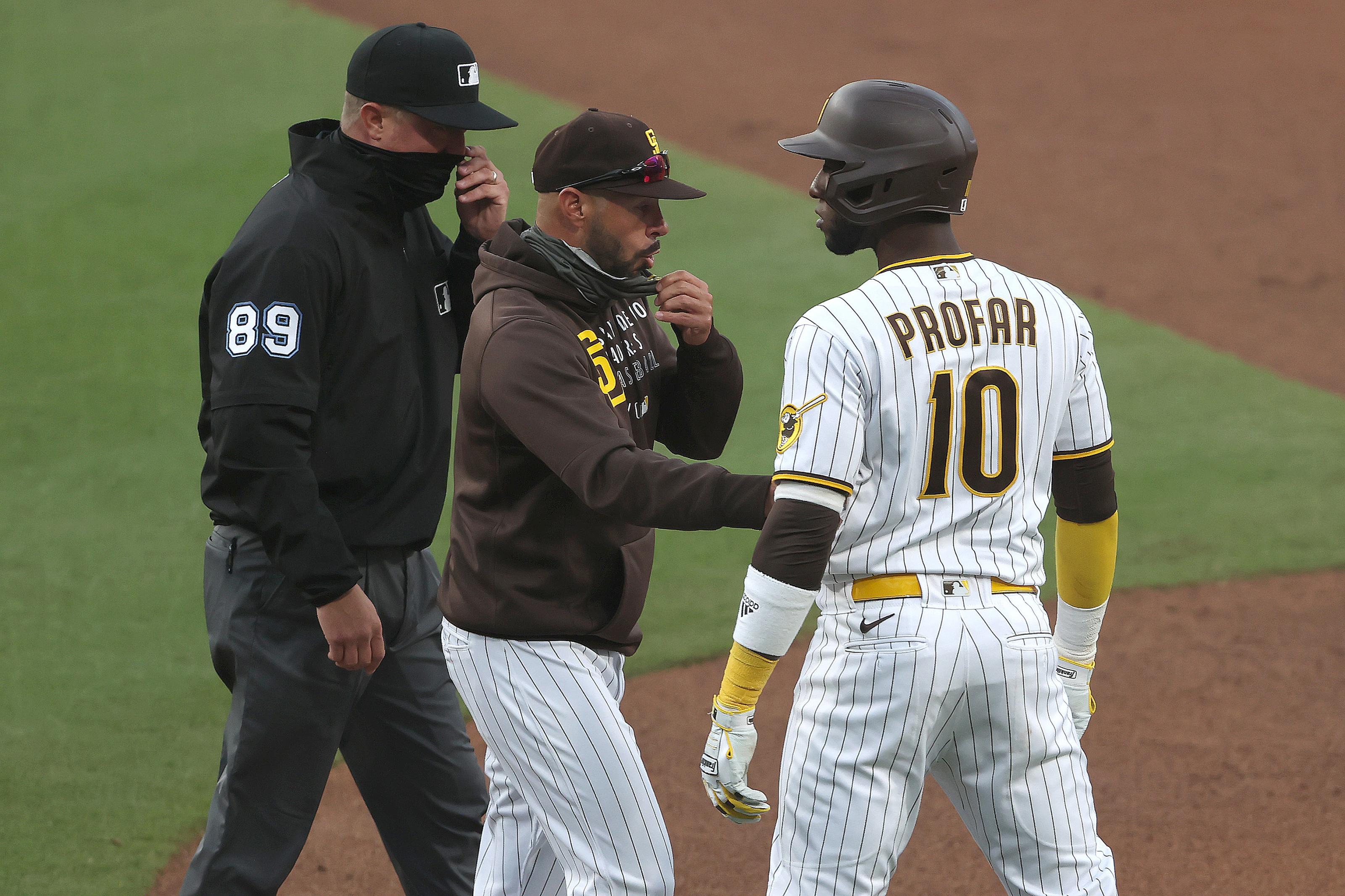 Padres announcer has hilarious interpretation of Clayton Kershaw-Jurickson  Profar beef (Video)