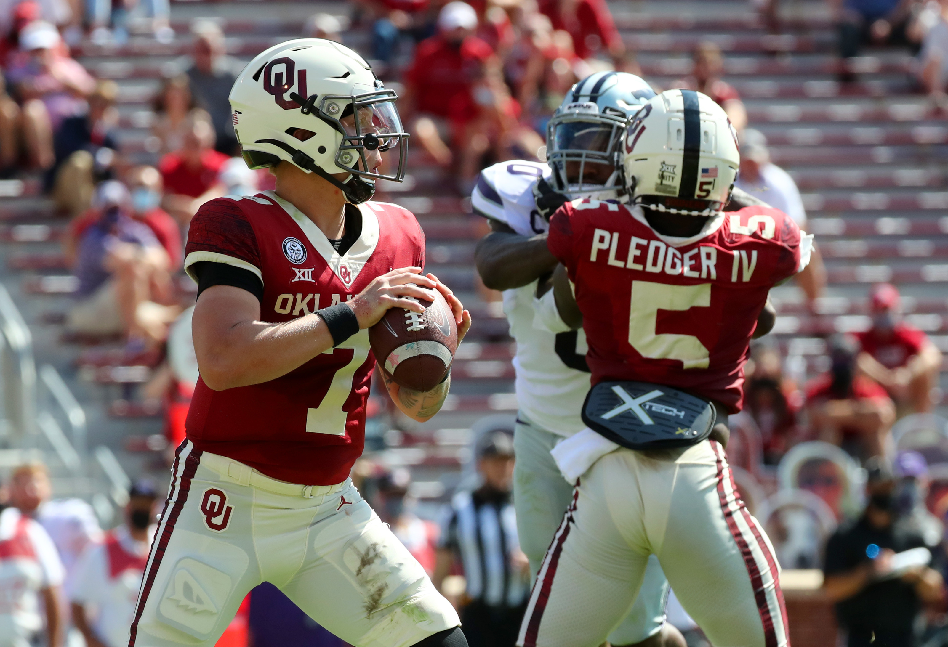 Oklahoma Football Defense Isn T The Only Problem Facing Lincoln Riley